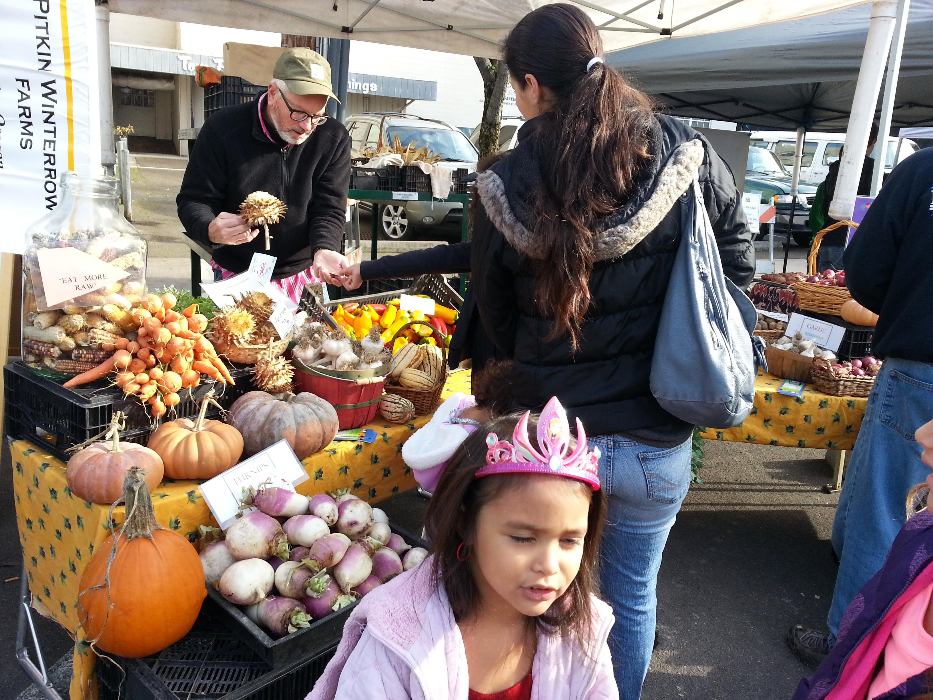 2014-11-08 10 39 15 - Oregon City Farmers Market